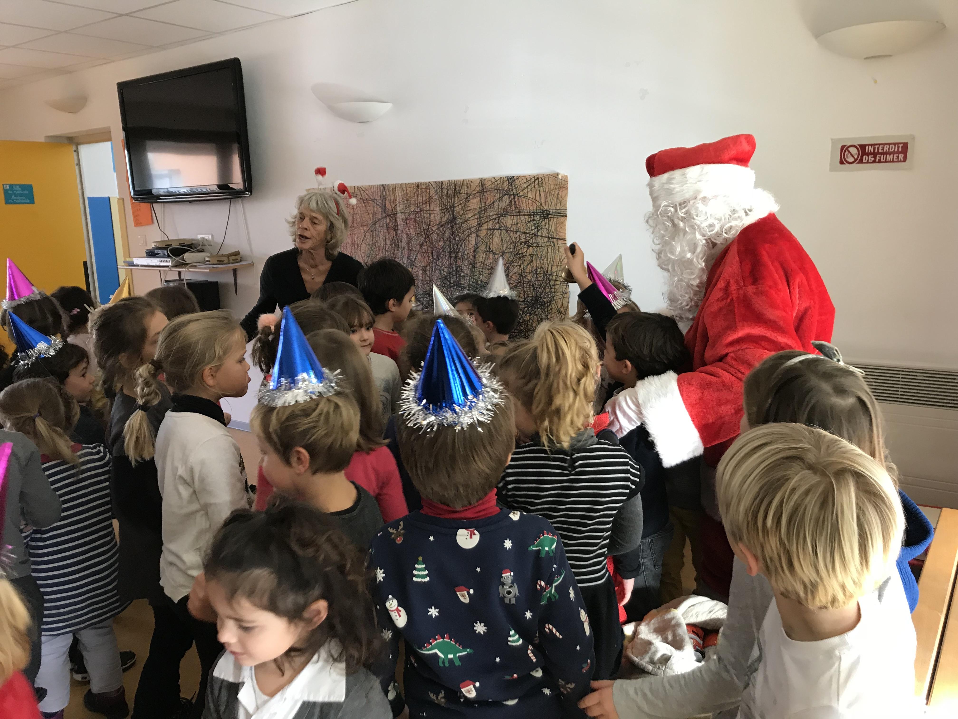 Le Père-Noël en visite à l'école du Ruppione