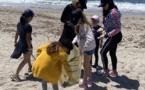 Les élèves de l'école mènent une action sur la plage